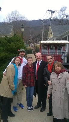 Daniel Klem, Anthony Baker, and James Neff (fellow blogging friend), with Caitlin, Haley, and Lydia @ the Incline Railway in Chattanooga, TN.